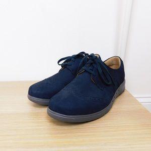 Clark's Artisian Navy Leather Oxfords